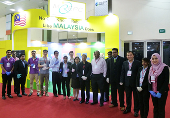 MREPC officers with participating Malaysian rubber medical device manufacturers at Medicall 2016, Chennai, India