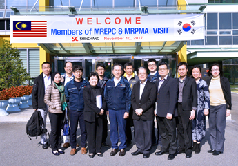 Group photo of MREPC and Malaysian delegates with Shin Chang Precision in South Korea.