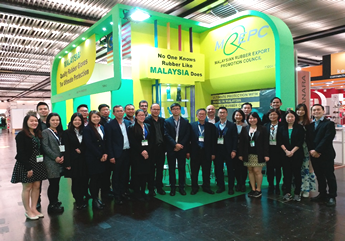 Group photo of MREPC pavilion participants.